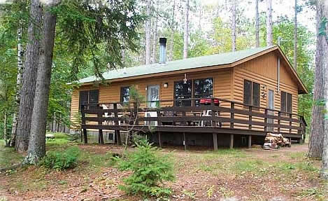 exterior of minnesota resort cabin