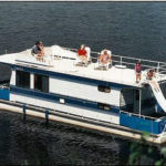 44' houseboat exterior