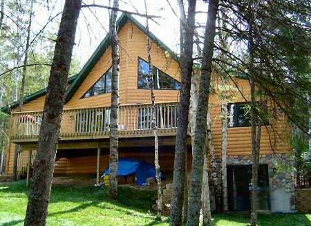 exterior of minnesota resort cabin beartrap